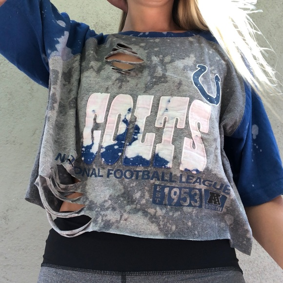 268fad77 Indianapolis Colts distressed Crop T-shirt